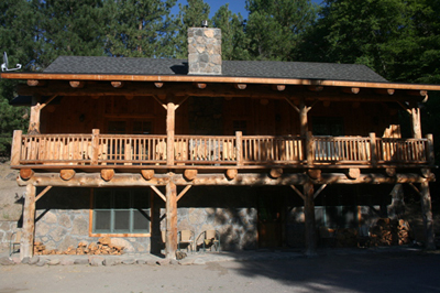 Front view of the majestic White River Lodge